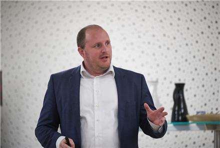 Green Networks Direktør Kenneth Hald Jensen siger tak til oplægsholderne og de mange fremmødte